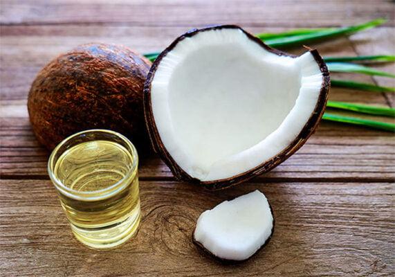 Cách trị mụn ẩn bàng tinh dầu dừa