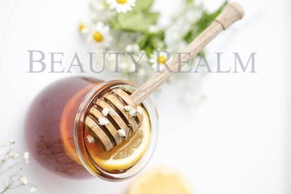 Trị mụn ở má bằng mật ong